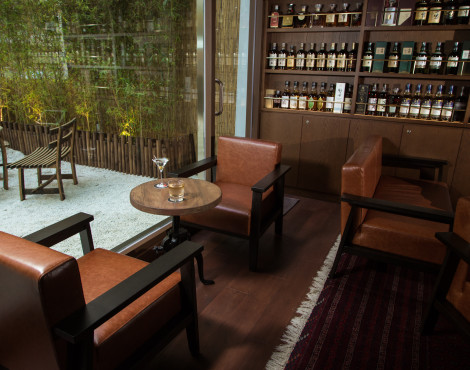 Hong Kong Speakeasies and Bars for All Types