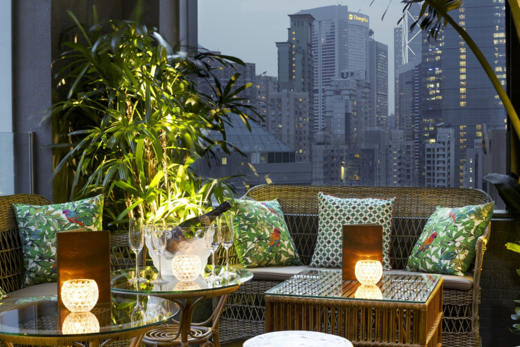 Mahalo Tiki Lounge Terrace