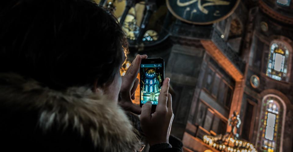 Travel Photos Phone. Photo: Giuseppe Milo, www.pixael.com/Flickr CC 2.0