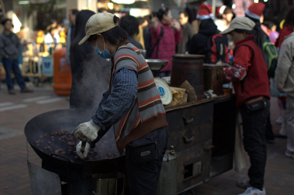 Streetside chestnut vendor. Photo: travel way of life / Flickr CC