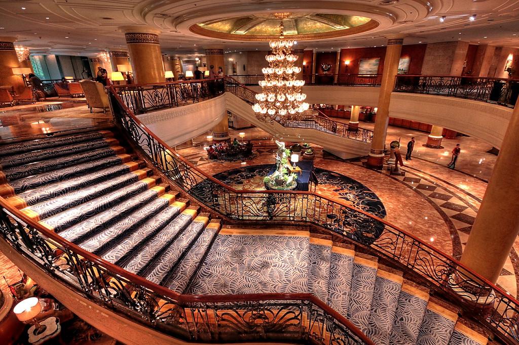 Makati Shangri-La. Photo: Perry Aragon/Flickr