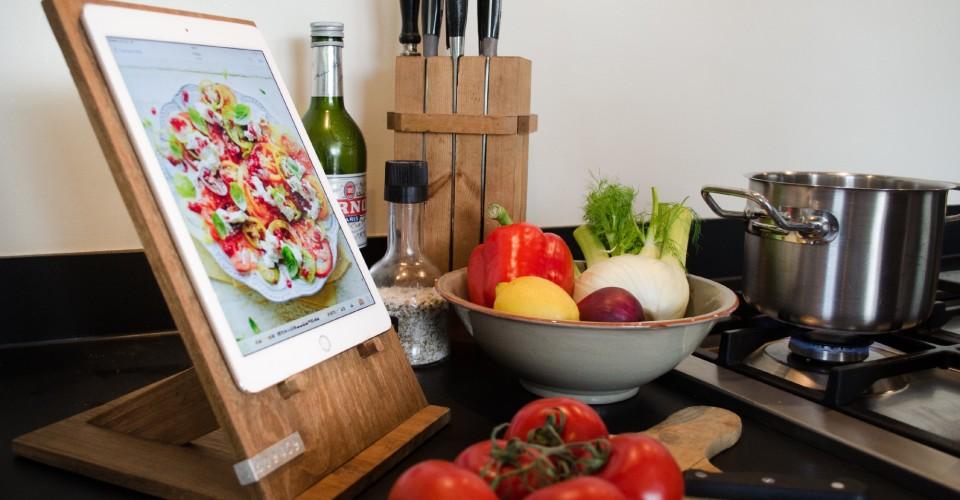 ETEAQ Tablet Stand in Kitchen