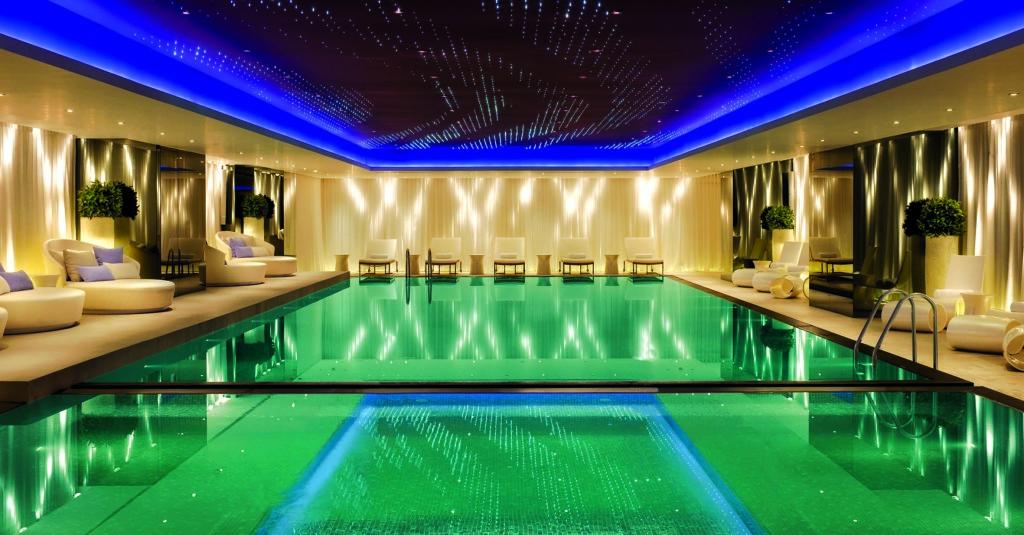 MiraSpa Infinity Pool