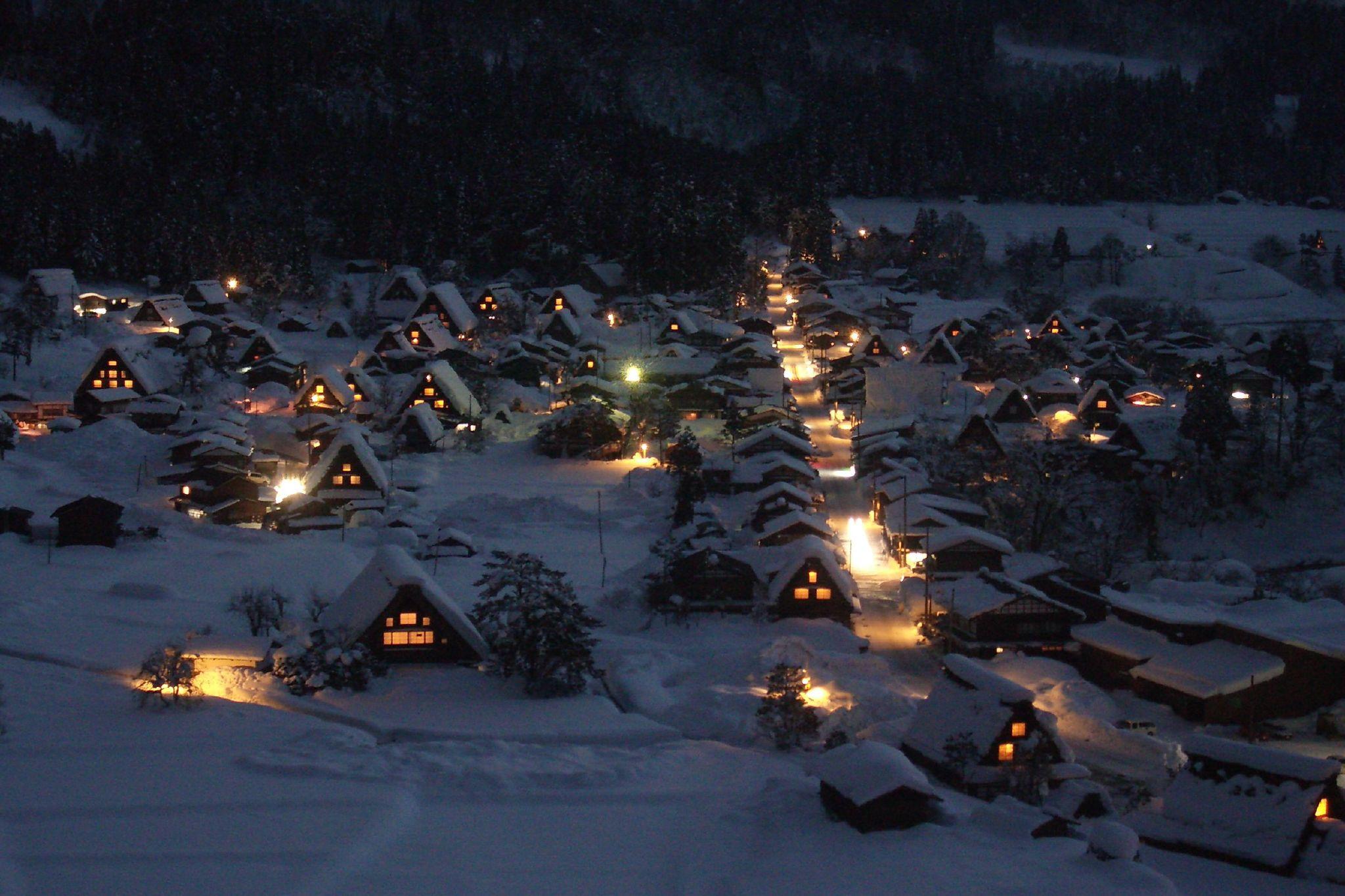 Illumination of Shirakawago. Photo: tsuda/Flickr CC