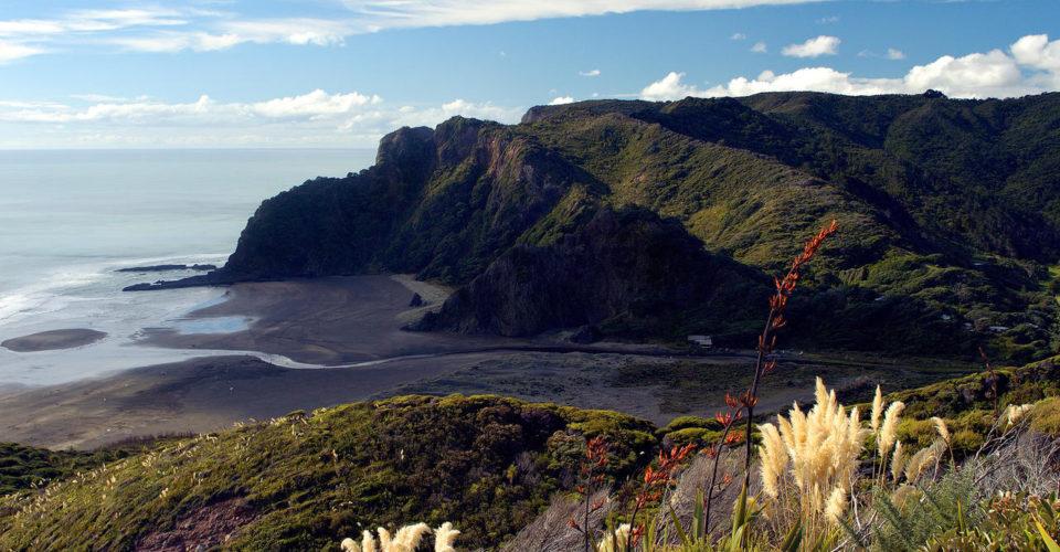 Loop into Auckland Guide - L228-Karekare-Beach-Auckland-Scott-Venning