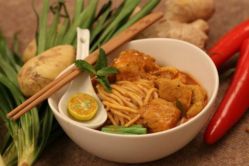 Semua Semua's Curry Noodle Soup