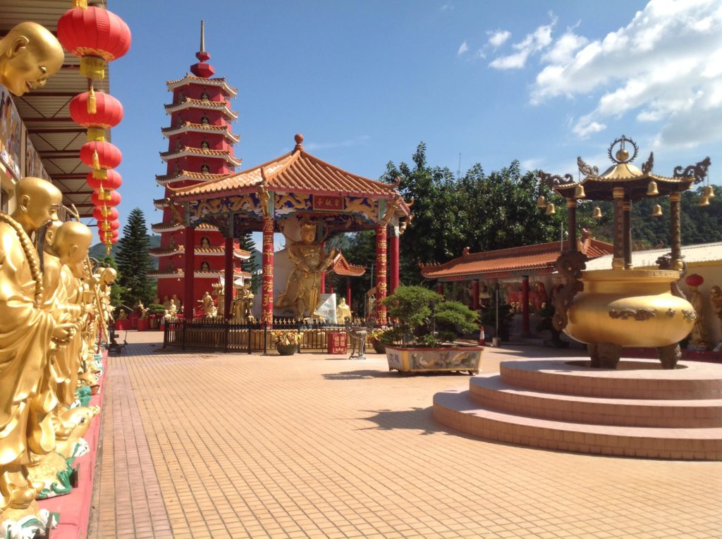 Ten Thousand Buddhas Monastery. Photo: Mitchan14 / CC BY-SA 3.0