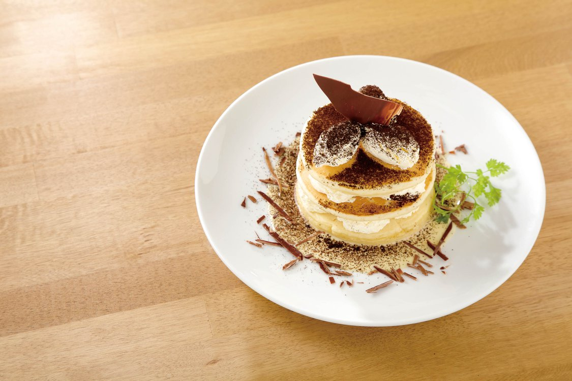 gram Hong Kong's best souffle pancake, the tiramisu