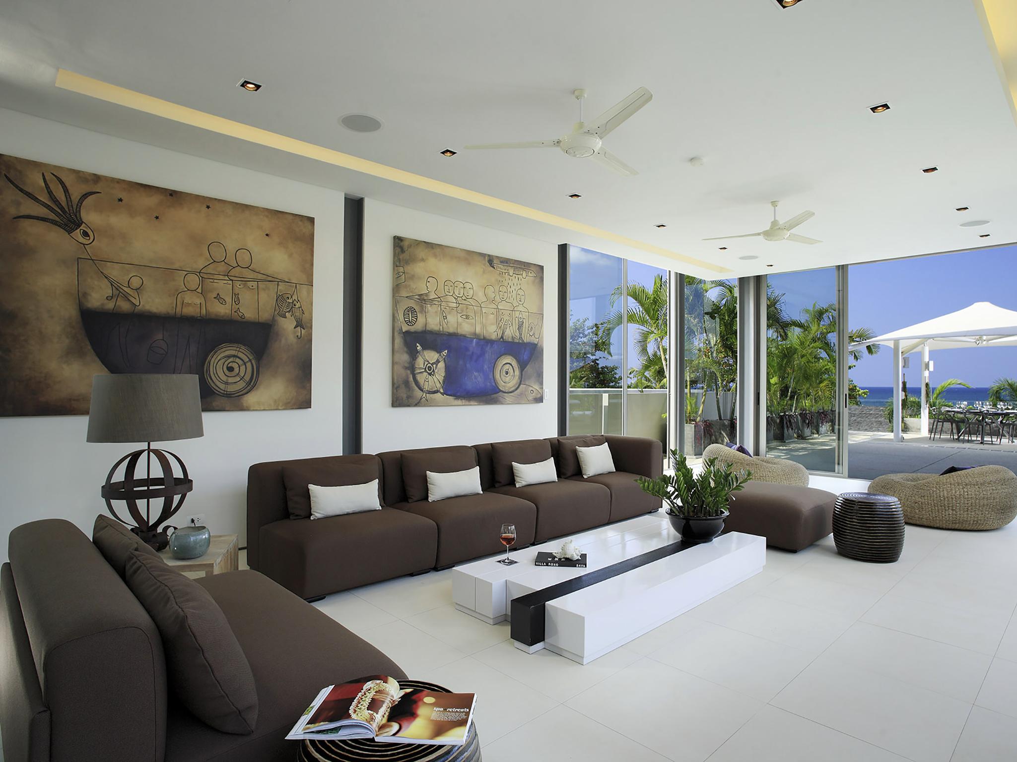 The artistic interiors of Villa Roxo.