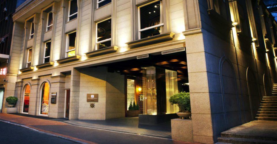 luxe-manor-facade