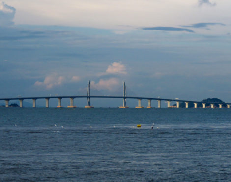 How Can You Use the New Hong Kong-Zhuhai-Macau Bridge?