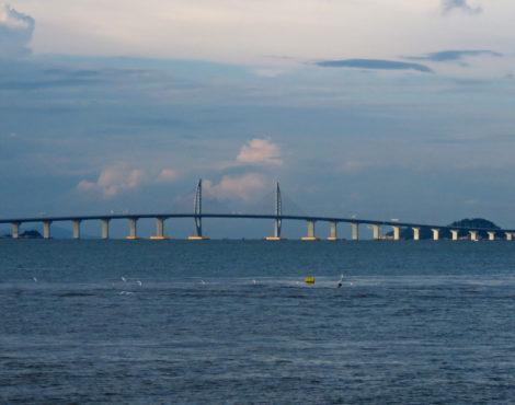 How Can You Use the New Hong Kong-Zhuhai-Macau Bridge?