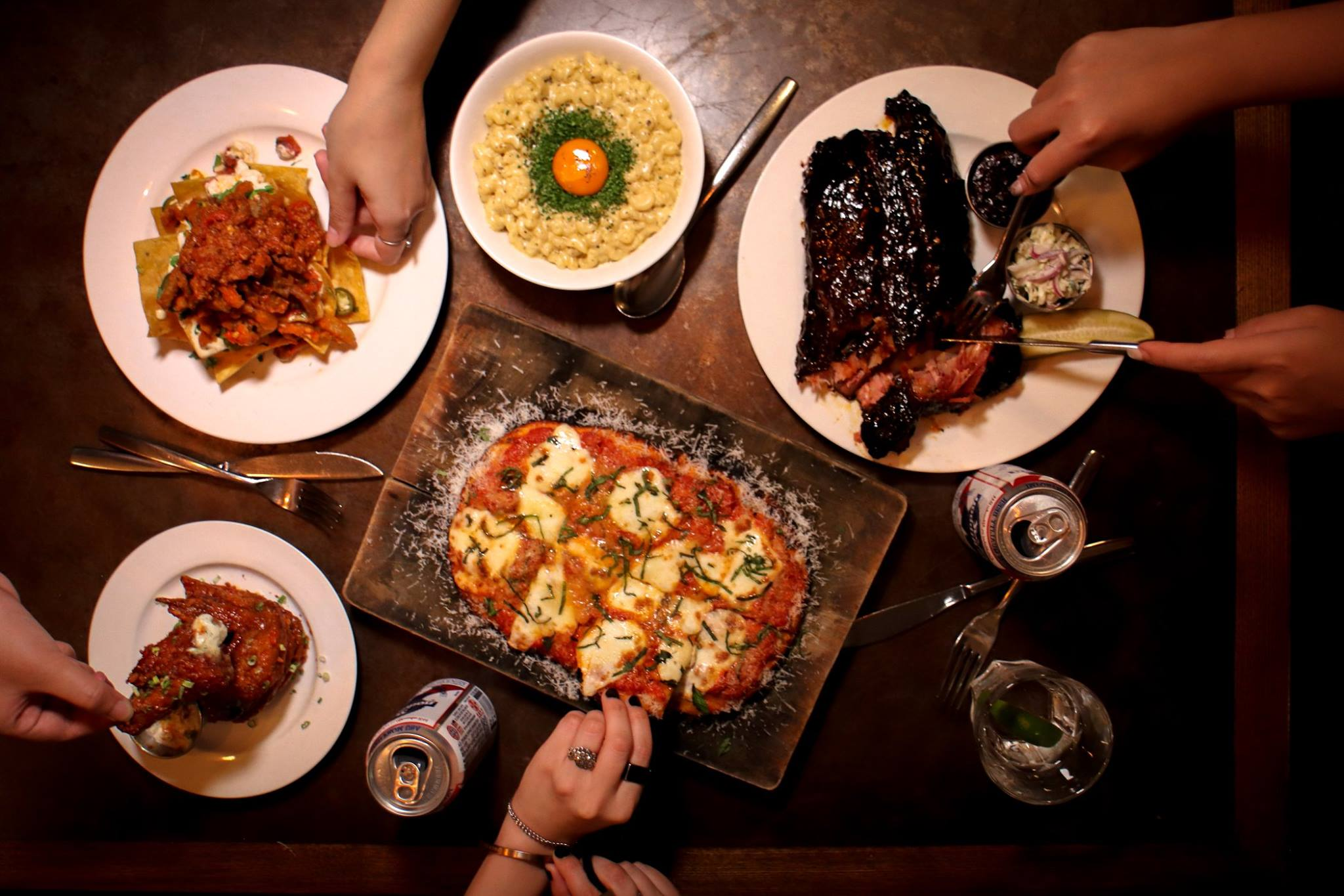 Stone Nullah Tavern is one of the top American restaurants in Hong Kong.