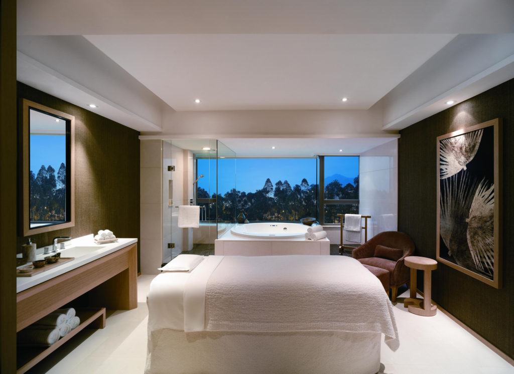romantic staycations in Hong Kong