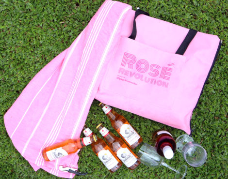 Win a Rosé Picnic Tote by The Flying Winemaker!