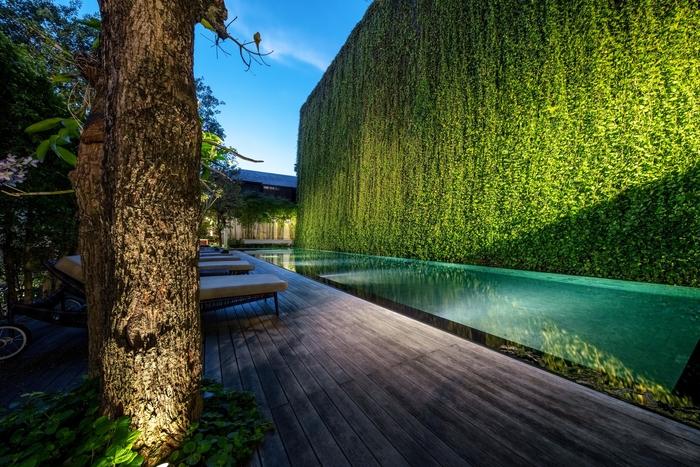 the pool at 137 pillars house