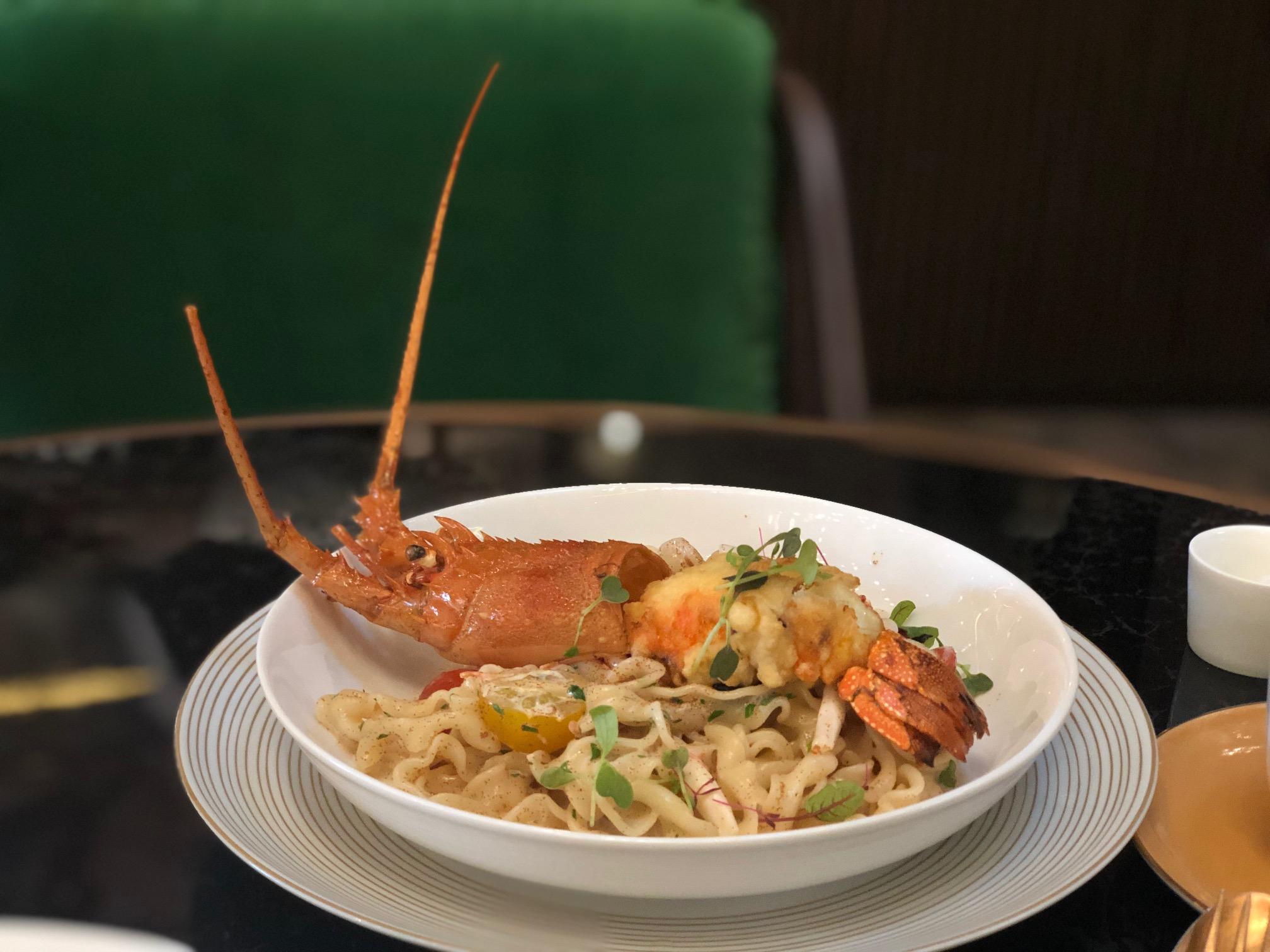 artisan lounge lobster mafalde