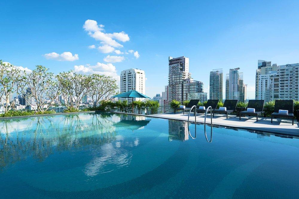 Hyatt place Bangkok sukhumvit pool