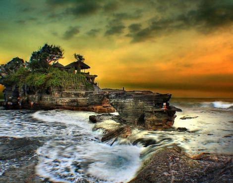 Loop into Bali