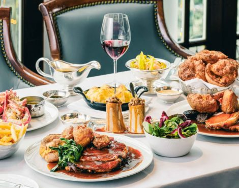 Lobster Bar & Grill Launches Sunday Roast at Island Shangri-La