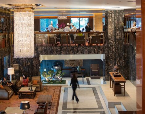 Mandarin Oriental Hong Kong Offers a Sublime Staycation Experience