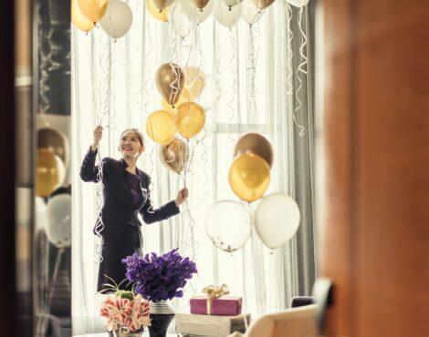 The Four Seasons Hotel Hong Kong Debuts