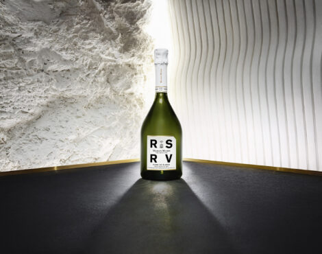 CHRISTMAS GIVEAWAYS DAY 2: Win Champagne from RSRV by Maison Mumm!