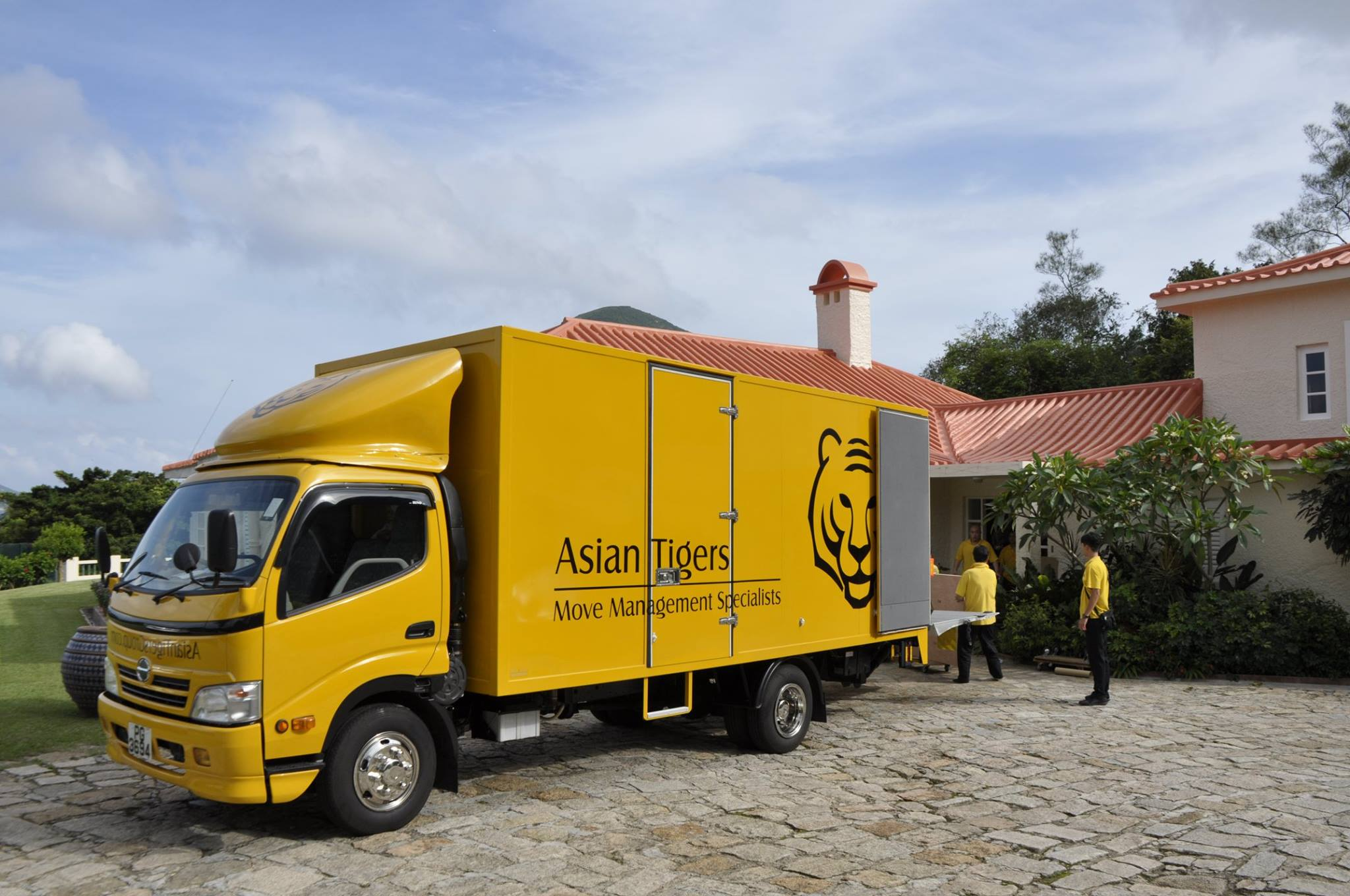 asian tigers truck Hong Kong moving companies