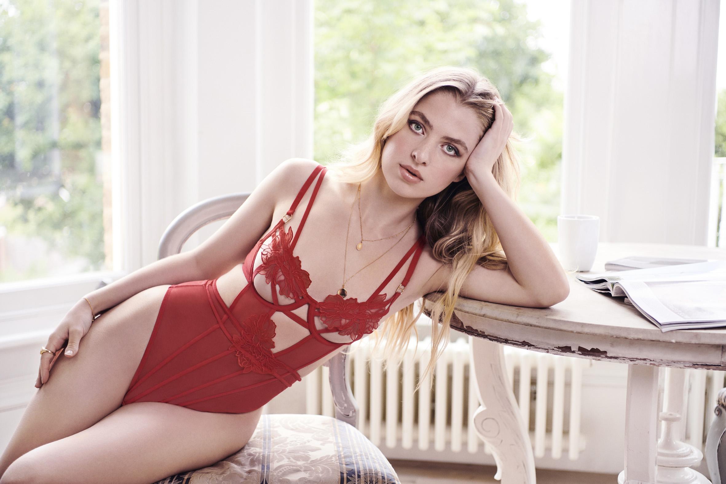 avec amour lingerie for Valentine's day 2021