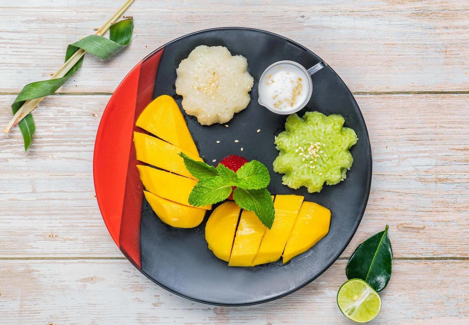baan thai mango sticky rice