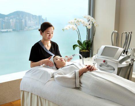 Bliss®Spa推出新的Cryotherapy面部护肤面部