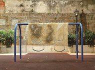 艺术家钟志春是由城市的高湿度的启发